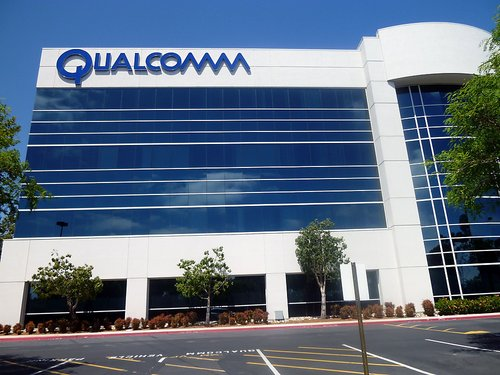 sign-on-qualcomm-office-building-located-on-campus-point-dr-san-diego-ca